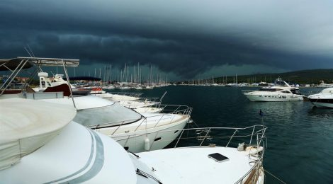 Why Is a Yacht Expensive To Insure?